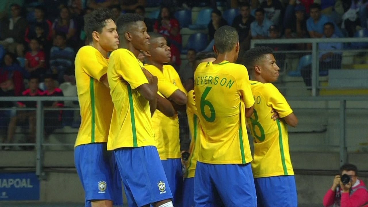 658bcb2833 Veja os três gols de Alan na goleada do Brasil por 5 a 0 sobre o