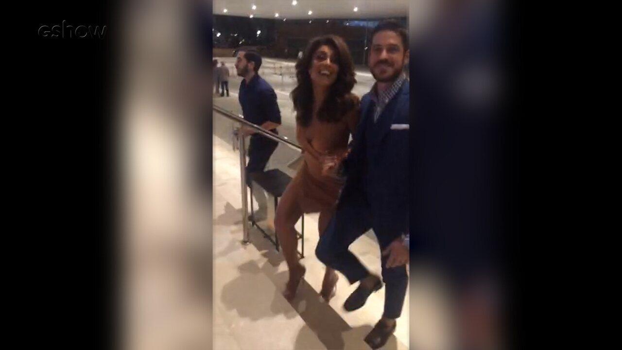 Juliana Paes chega acompanhada por Marco Pigossi na festa de 'A Força do Querer'