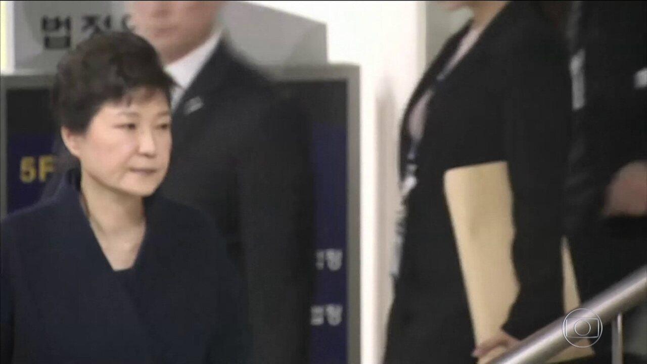 Ex-presidente da Coreia do Sul é presa acusada de corrupção