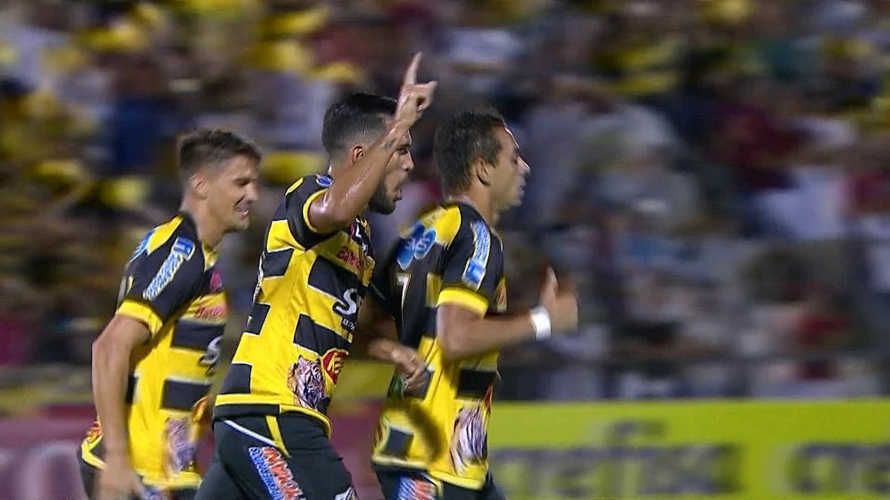 Gol do Novorizontino! Roberto dispara e enche o pé abrir o placar aos 11' do 1º