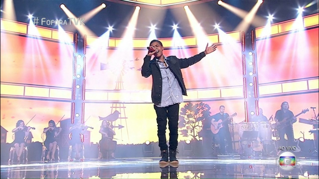 Juan Carlos Poca emociona brasileiros na final do The Voice Kids