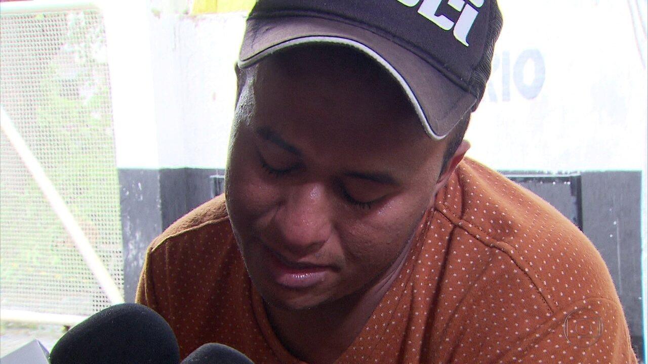 Edvaldo da Silva Alves, 19 anos, teve uma veia da coxa atingida por uma bala de borracha