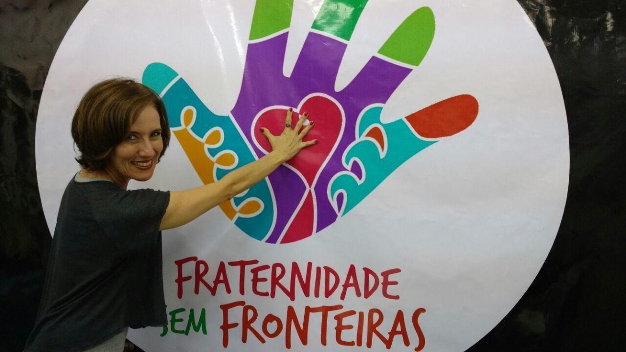 Edlaine Garcia conheceu a ONG Fraternidade Sem Fronteiras, que ajudam pessoas da África