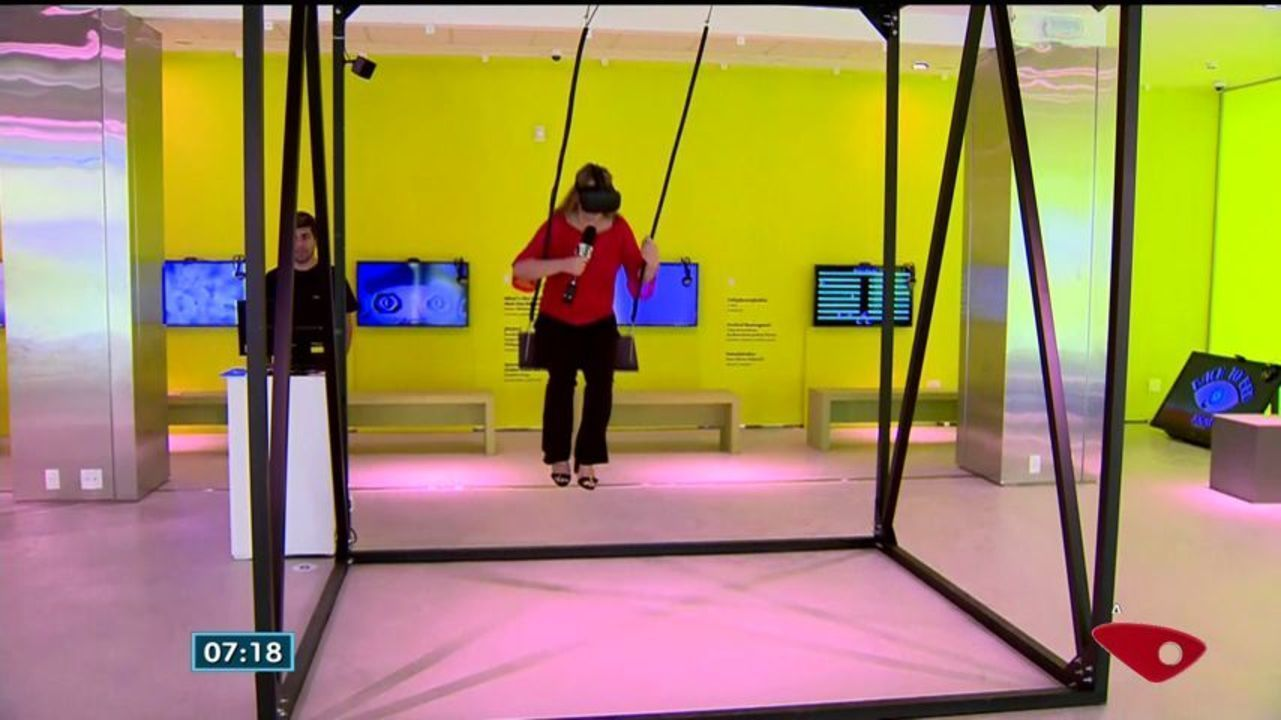 Exposição de arte cheia de tecnologia e interação é aberta em Vitória