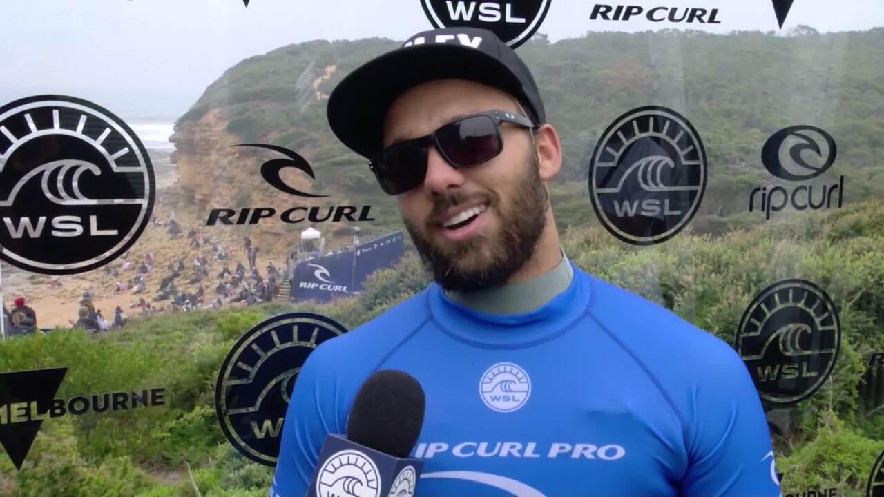 Caio Ibelli comemora chegada às quartas de final da etapa de Bells Beach: