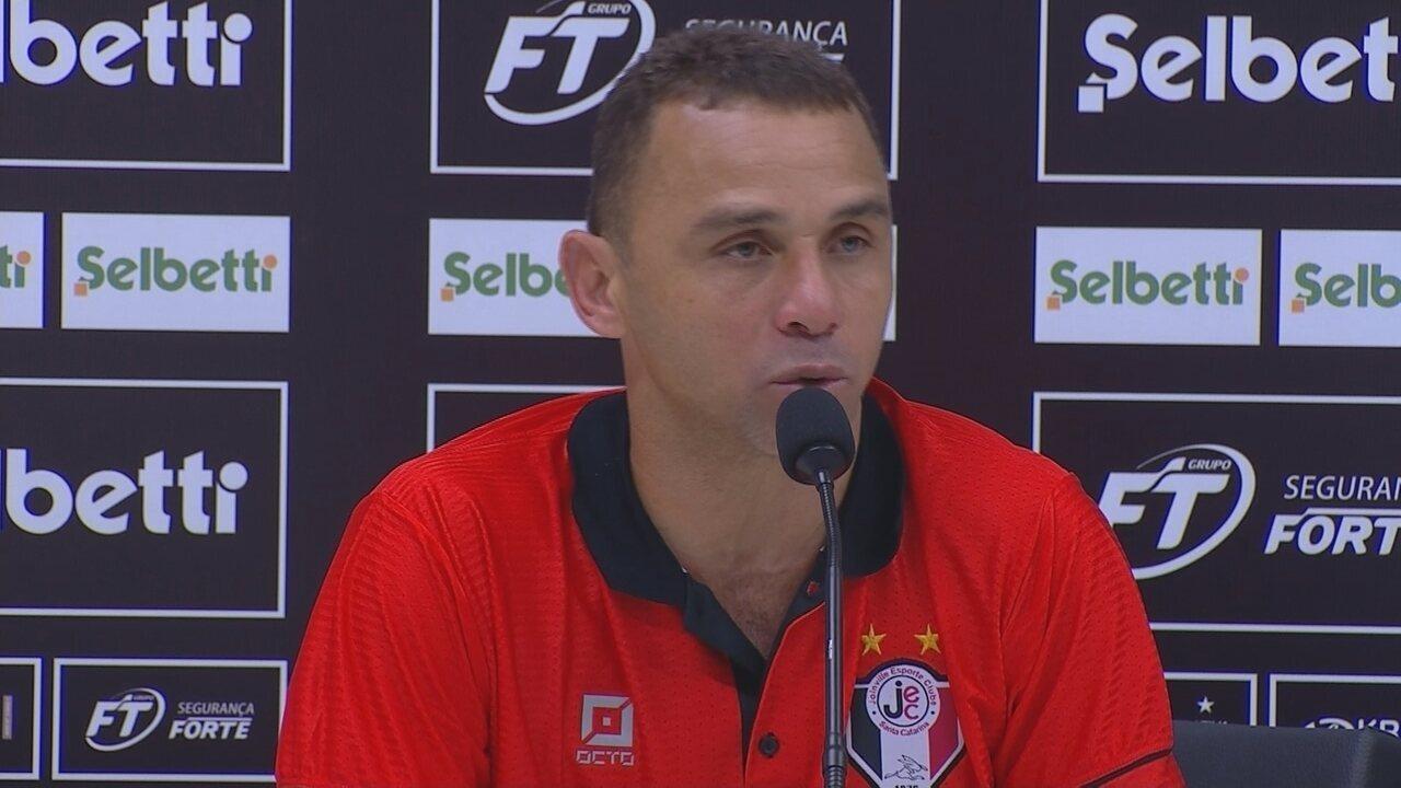 Confira a entrevista coletiva com o técnico Fabinho Santos