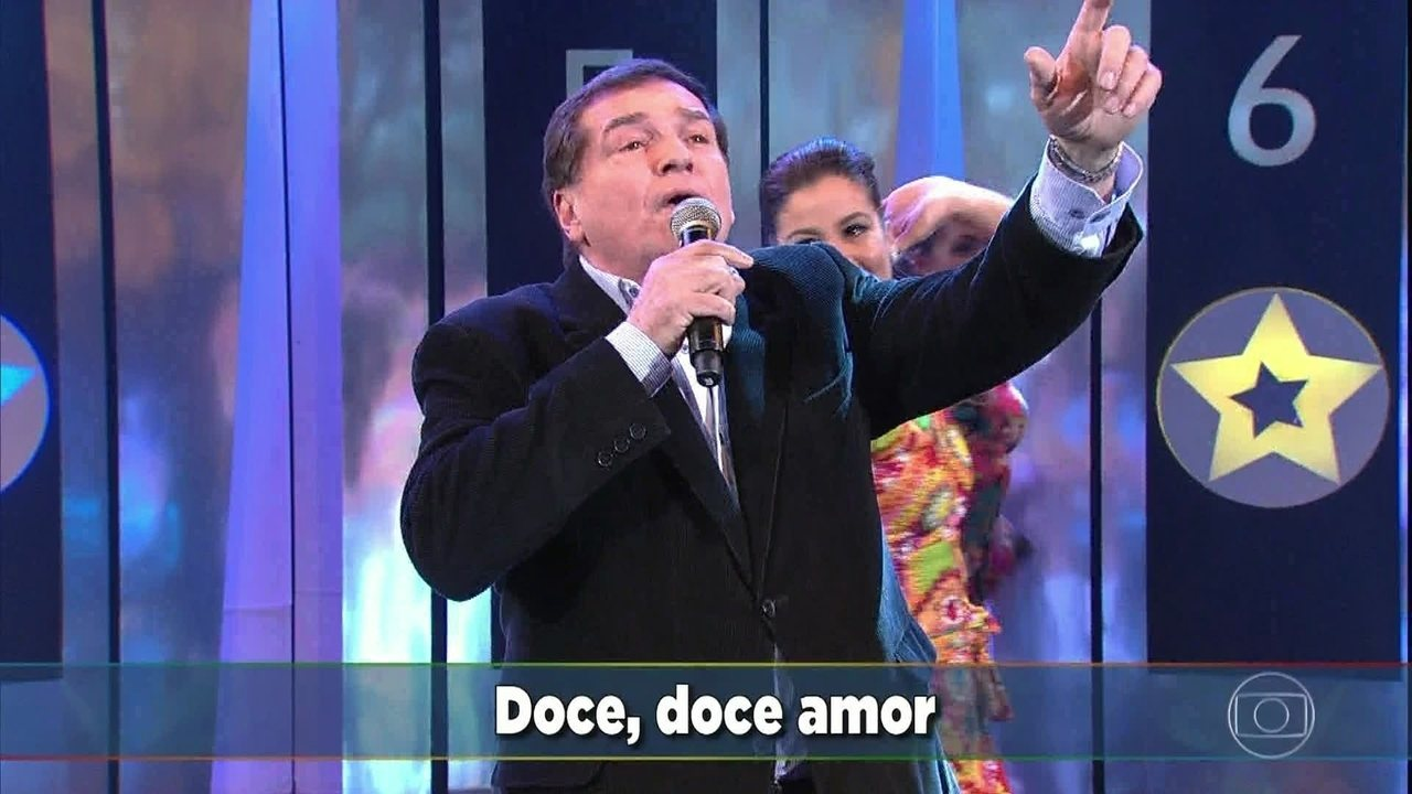Jerry Adriani é homenageado no palco do Domingão