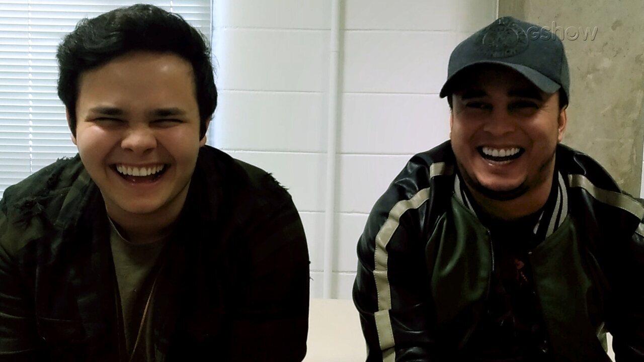 Matheus e Kauan se deduram em entrevista