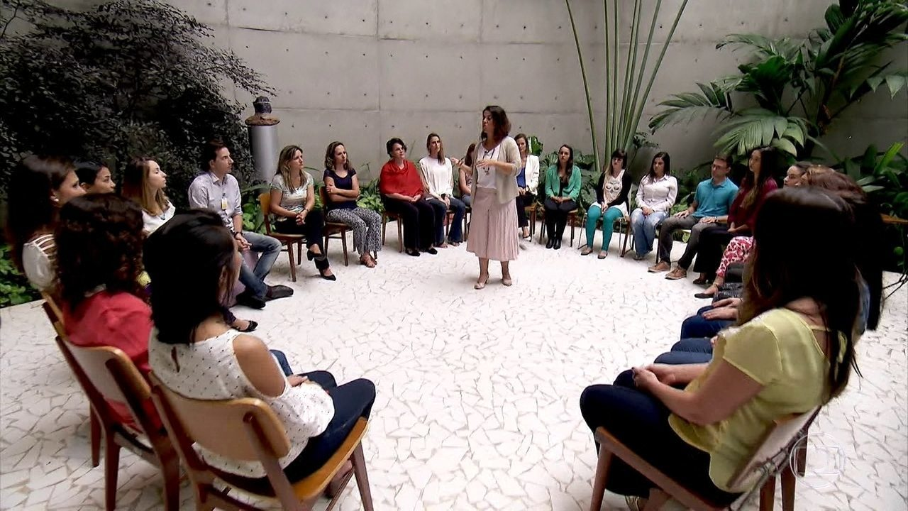 Empresas investem na meditação durante o expediente