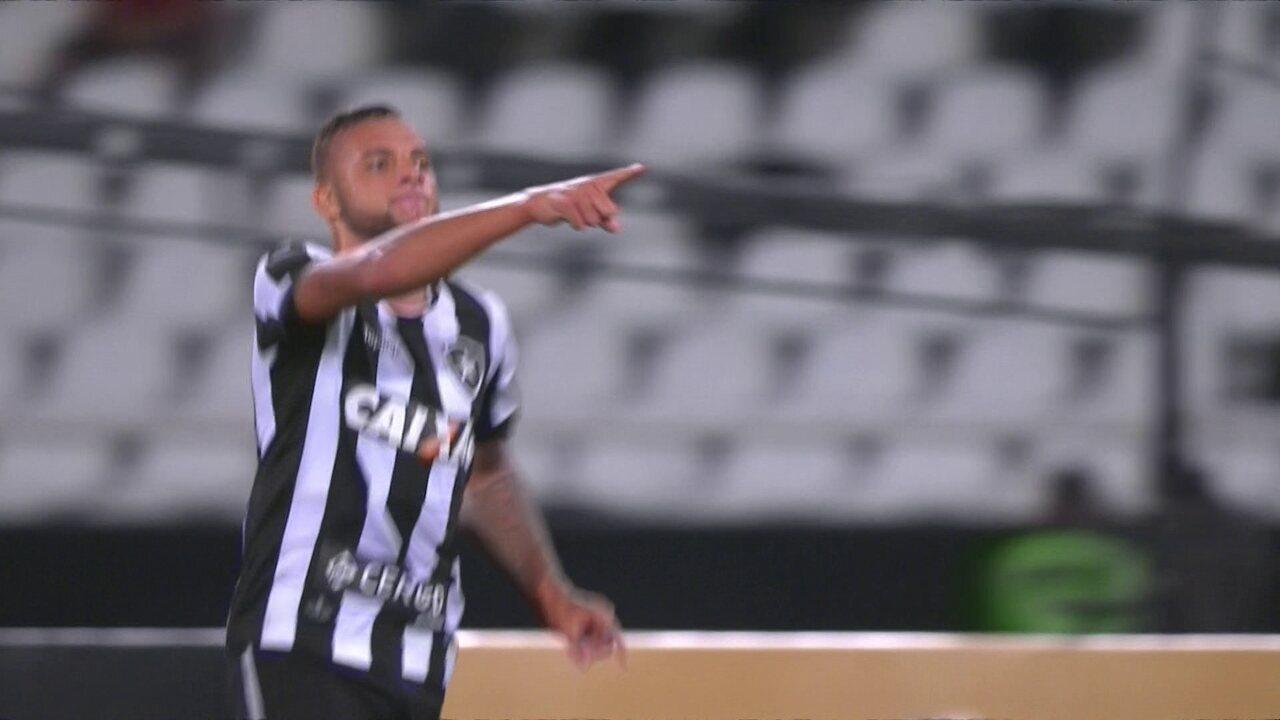 Os gols de Botafogo 2 x 1 Sport pelas oitavas de final da Copa do Brasil