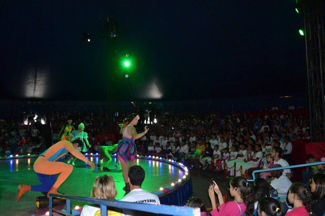 TV Diário promove sessão de circo para 700 crianças
