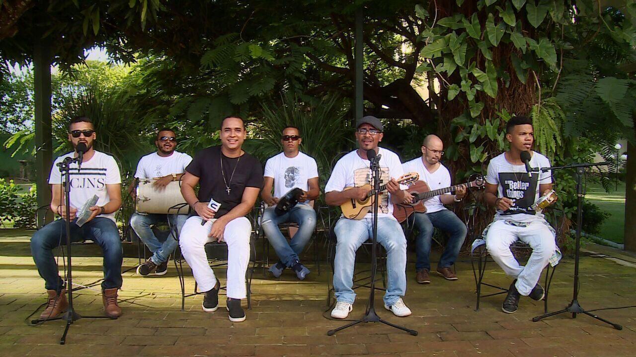 Animação garantida com a banda Samba de Quinta