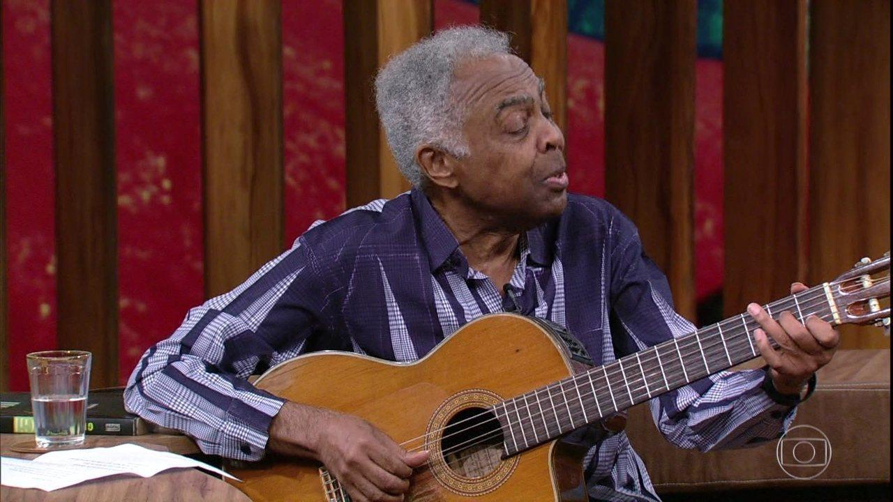 Gilberto Gil canta música que fez para a bisneta