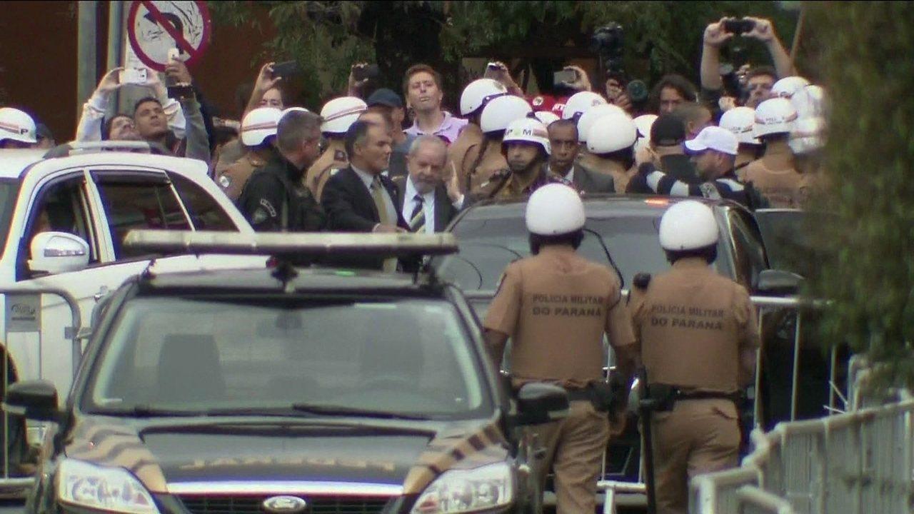 Lula chega ao prédio Justiça Federal em Curitiba para depoimento a Moro
