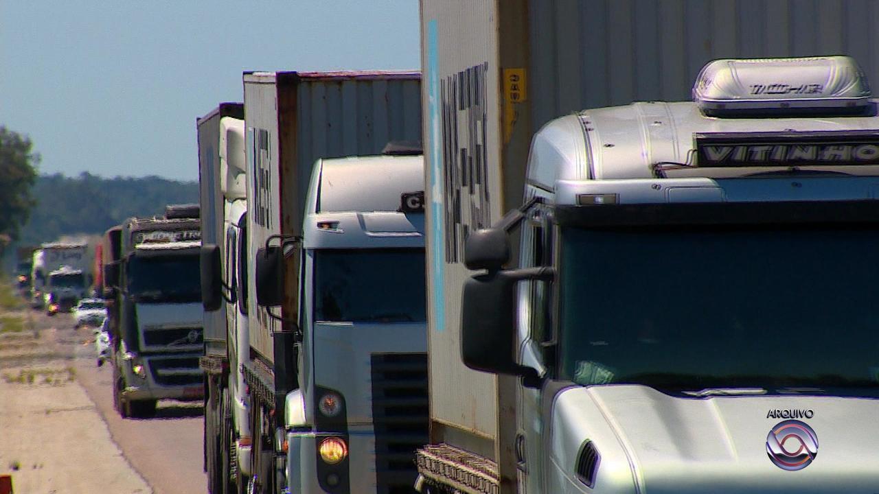 Número de habilitados para conduzir caminhão cai no RS