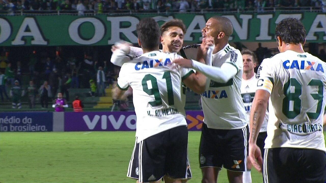 Os gols de Coritiba 4 x 1 Atlético-GO pela 1ª rodada do Campeonato Brasileiro; Tomas Bastos fez dois