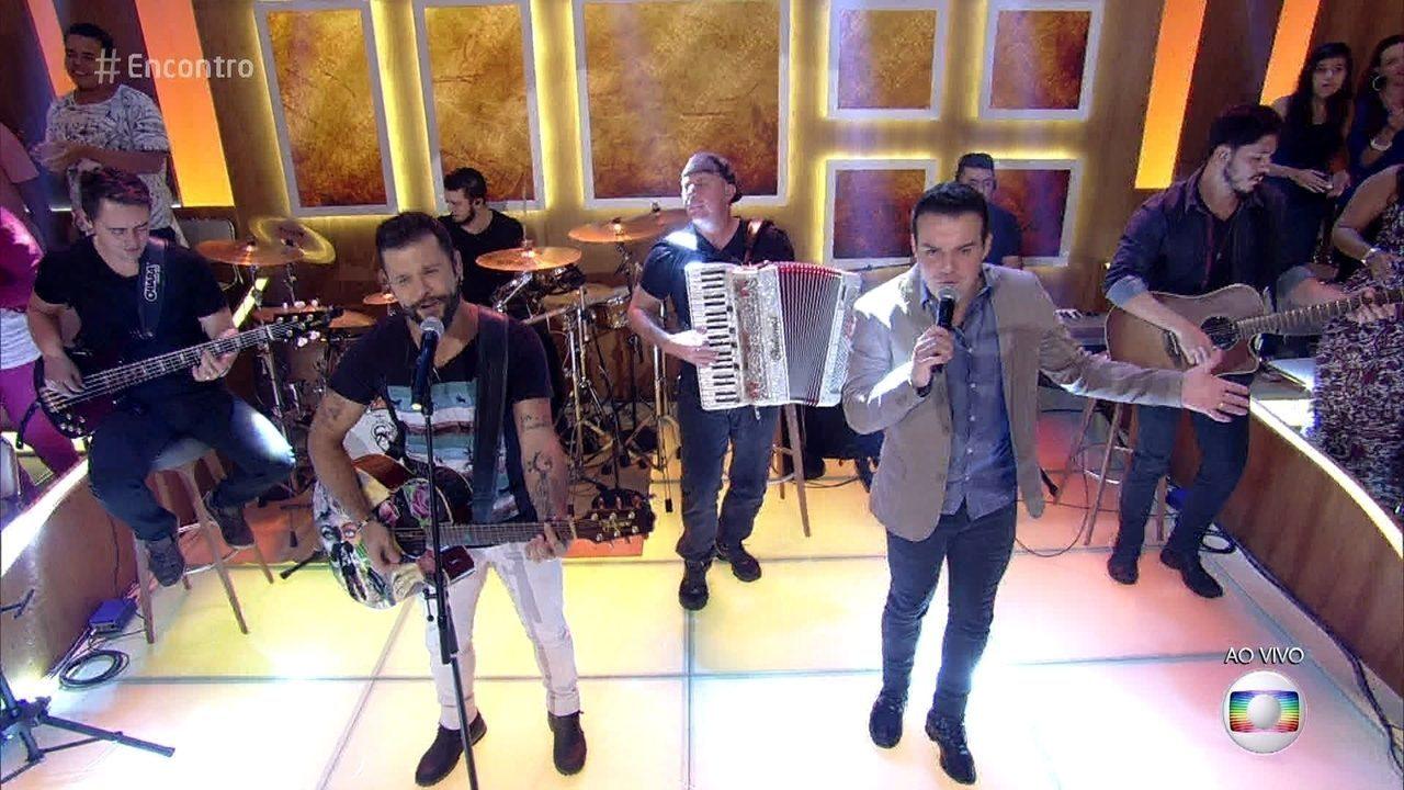 Marcos & Belutti canta 'Tão Feliz'