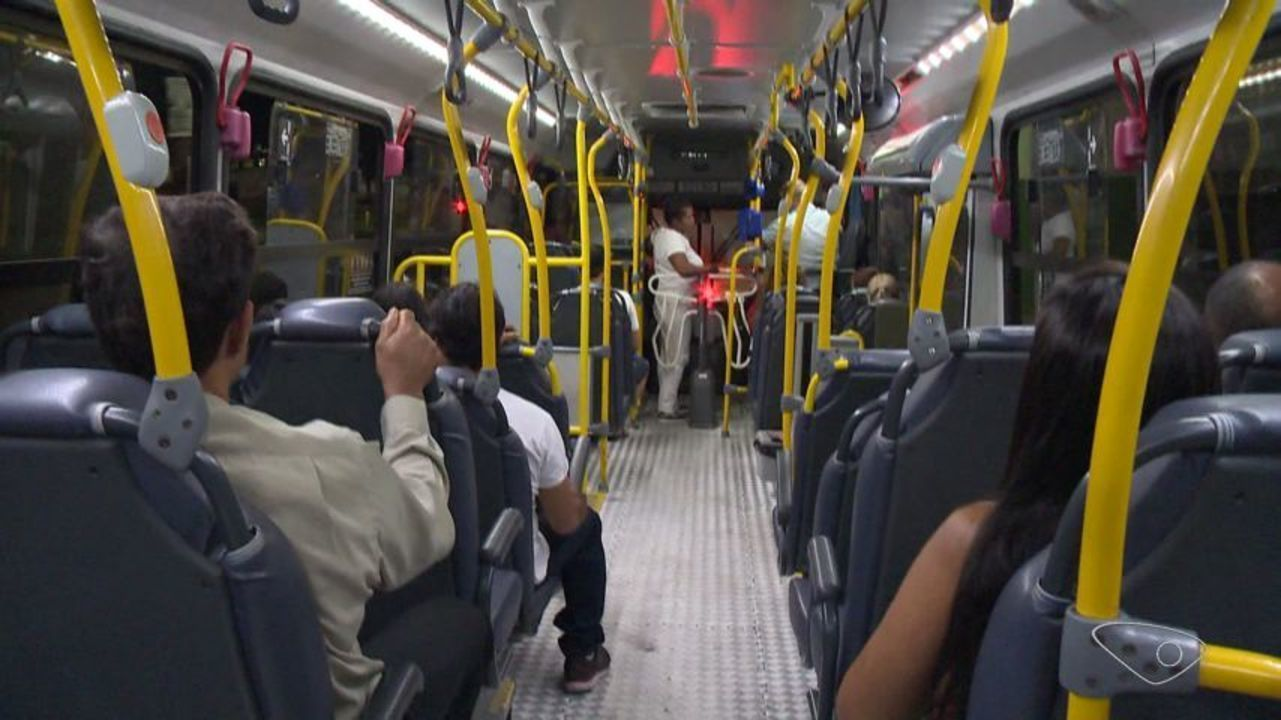 Passageiros sofrem 2 assaltos em 15 dias e relatam insegurança em ônibus da Grande Vitória
