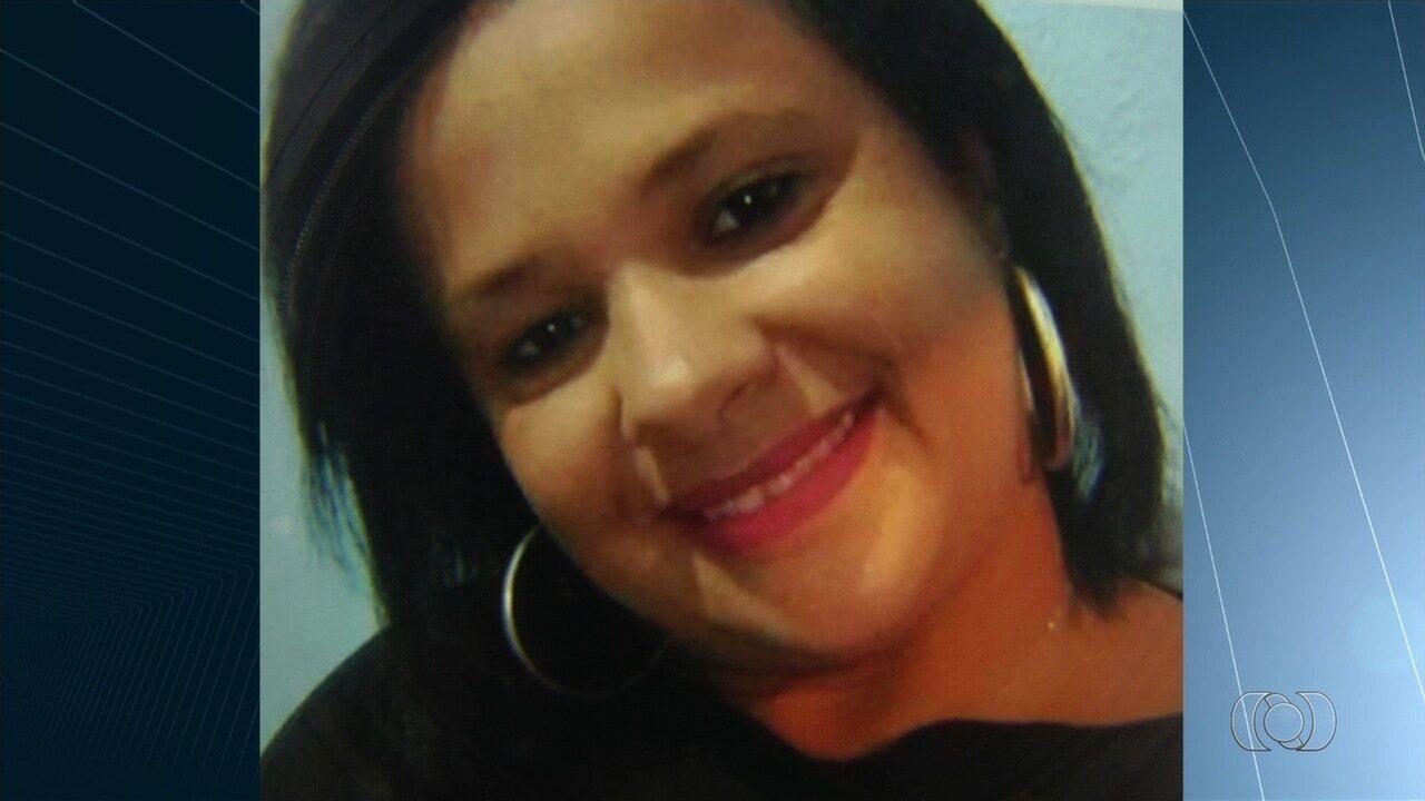 Mulher lamenta morte da tia em acidente durante fuga de suspeitos de assalto: 'Guerreira'