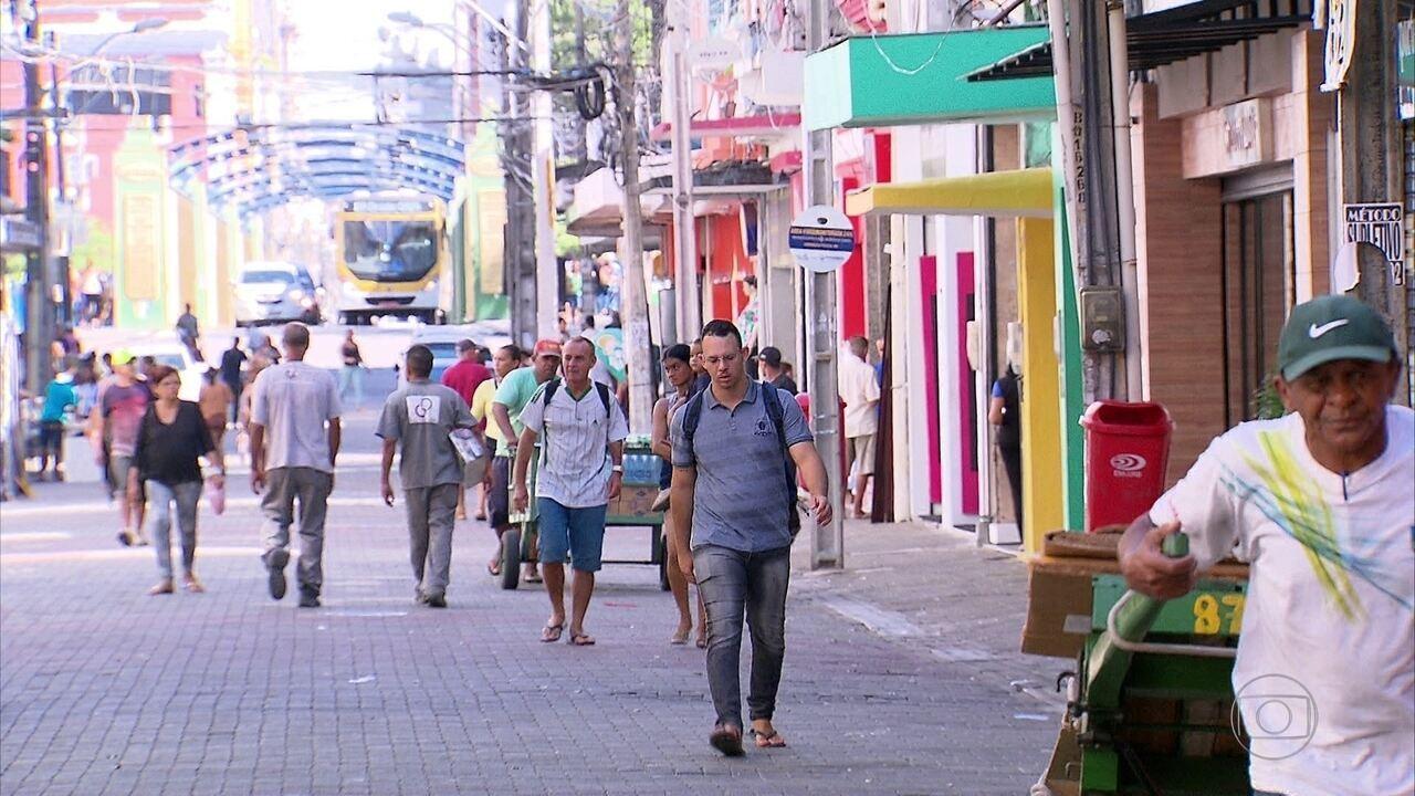 Aumenta o número de endividados com o cartão de crédito no Recife