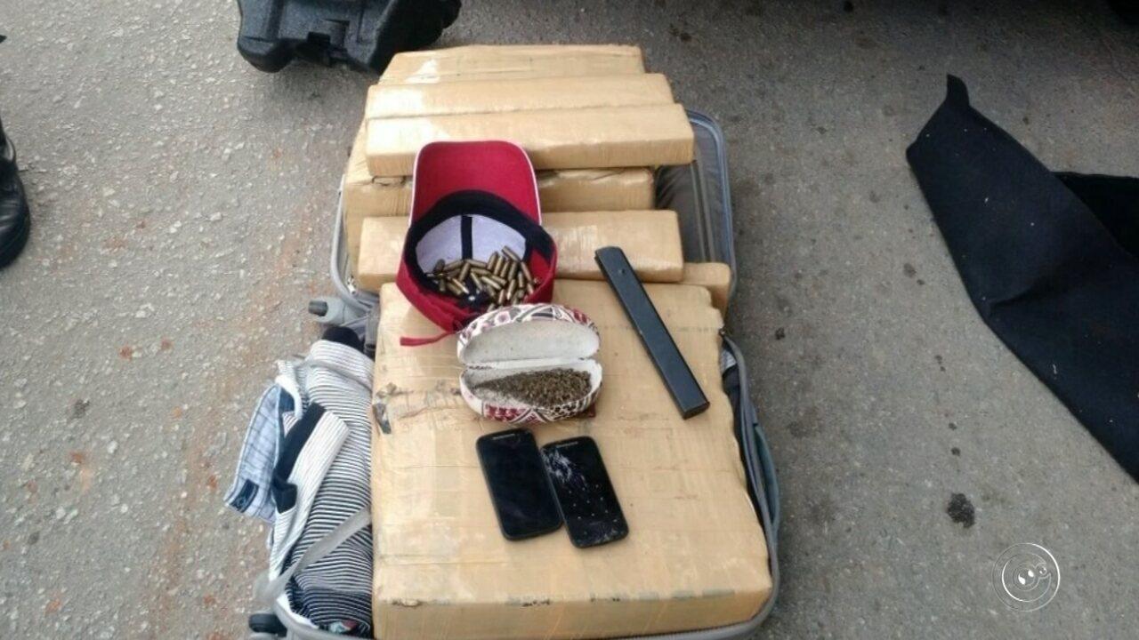 Adolescentes são apreendidos com cerca de 70 kg de maconha em carro roubado em Itu