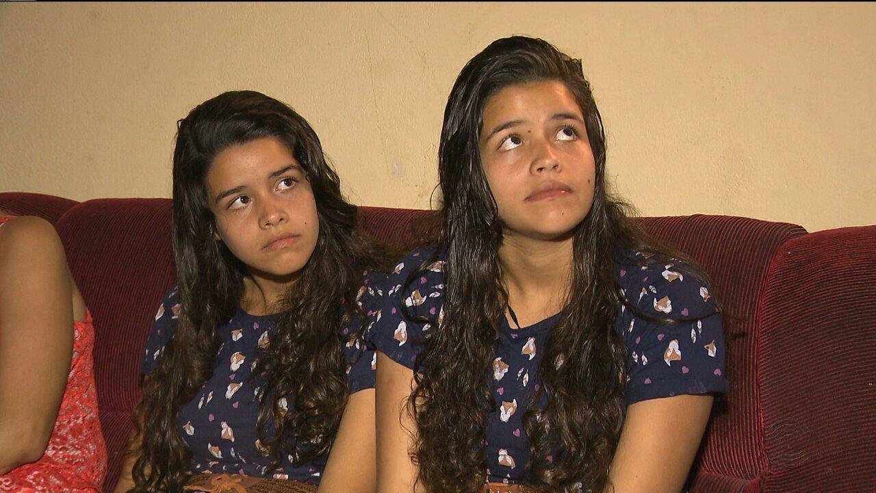 Juiz concede direito a irmãs gêmeas de colocar os nomes de dois pais no registro de nascimento