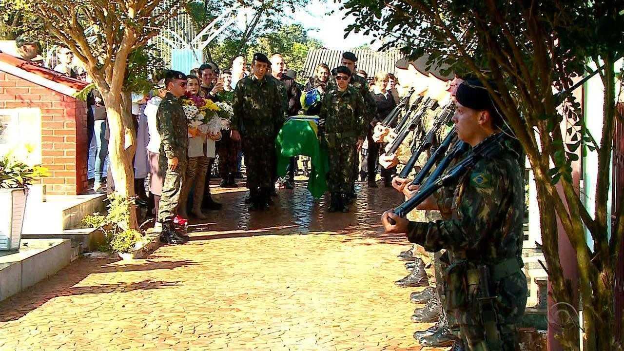 Corpo do militar gaúcho que morreu no interior do Pará é sepultado