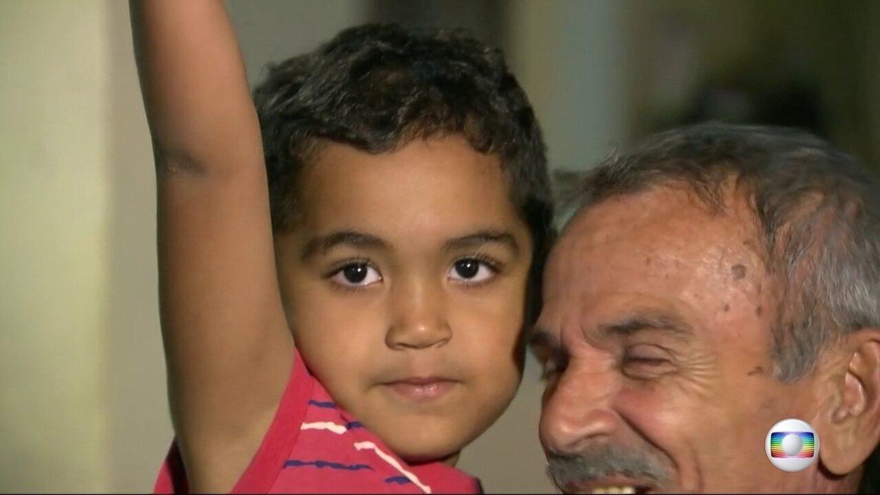 Polícia recupera criança levada em carro junto com bandidos no Rio