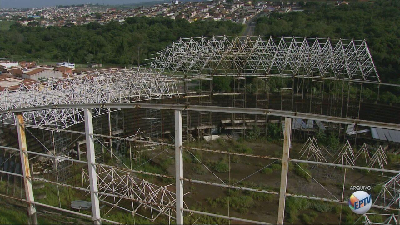 Estrutura do ginásio Melãozinho é leiloada e retirada de terreno em Varginha (MG)