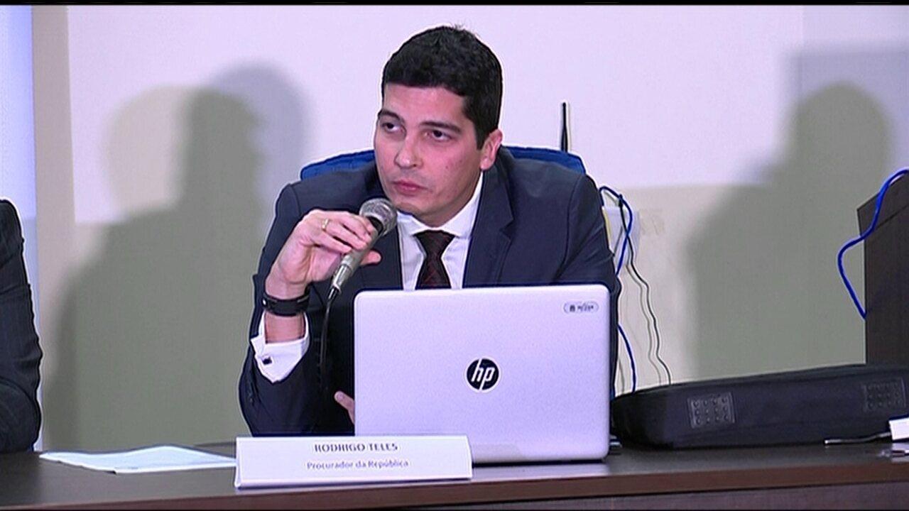 'Empresas pagavam doações oficiais e não oficiais, e obtinham favores', diz Rodrigo Teles