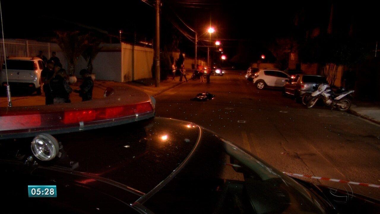 Assaltante morre em troca de tiros com policial que estava de folga