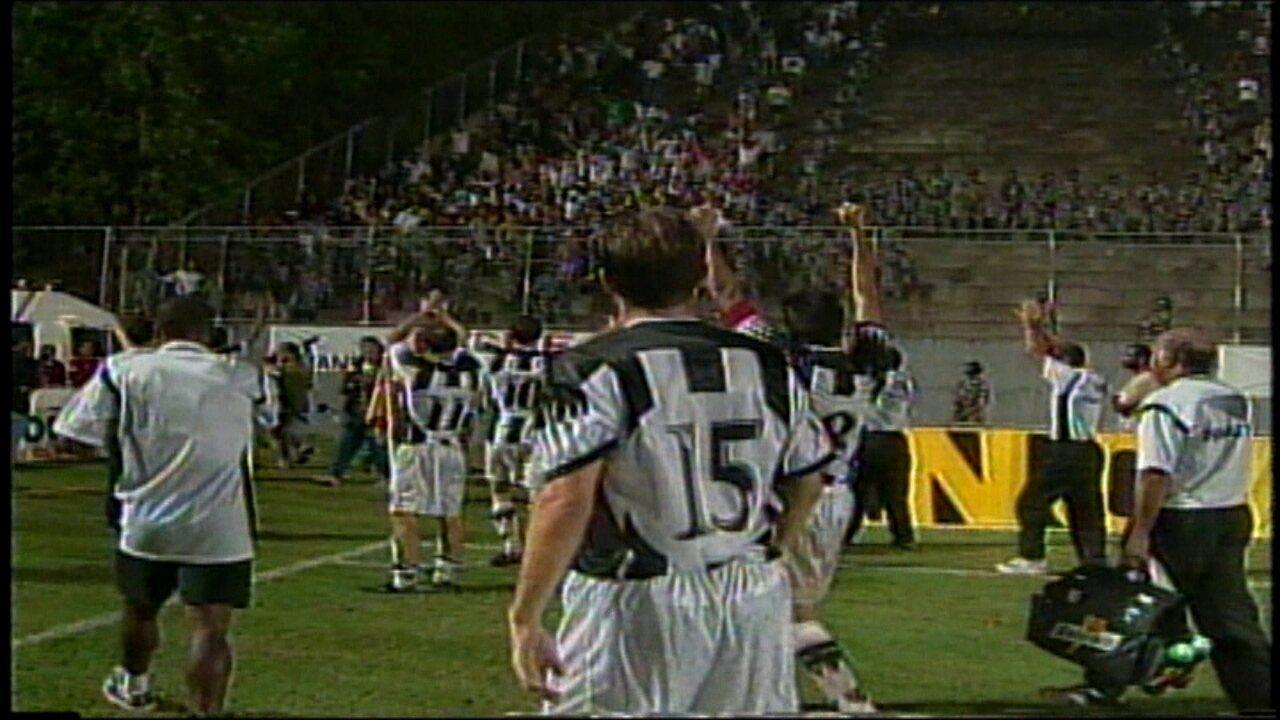 No jogo decisivo da semifinal de 99, deu Galo: 3 a 0 no Barradão