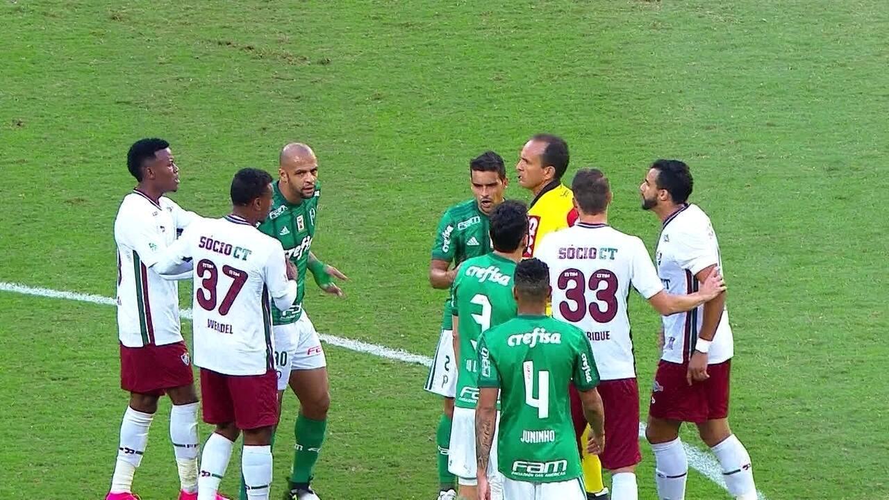 Felipe Melo e Henrique Dourado discutem e levam cartão amarelo, aos 19' do 1º tempo