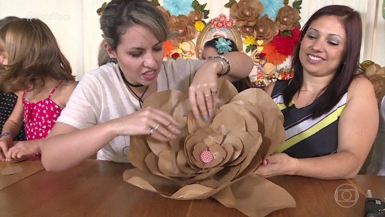 Flor de papel kraft: veja o passo a passo completo no vídeo!