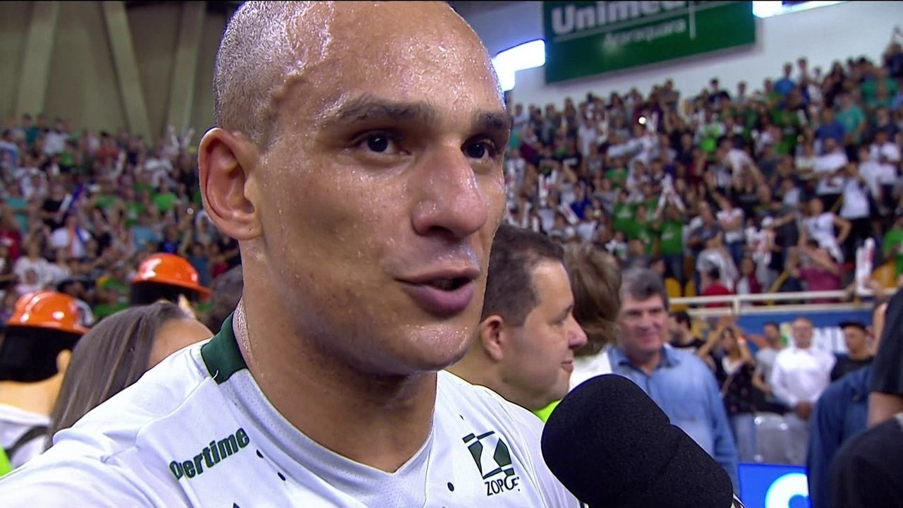 Alex comemora superação do Bauru e atribui à defesa vitória sobre o Paulistano