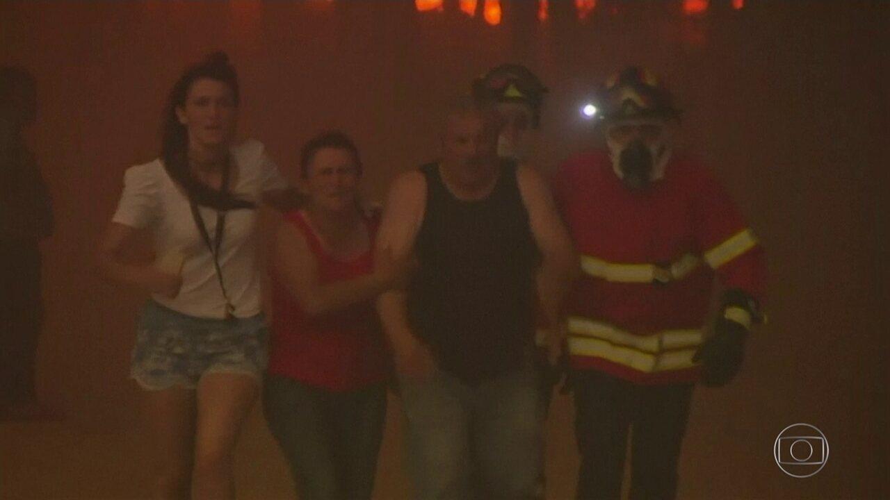 Região central de Portugal é atingida por um dos maiores incêndios florestais da história