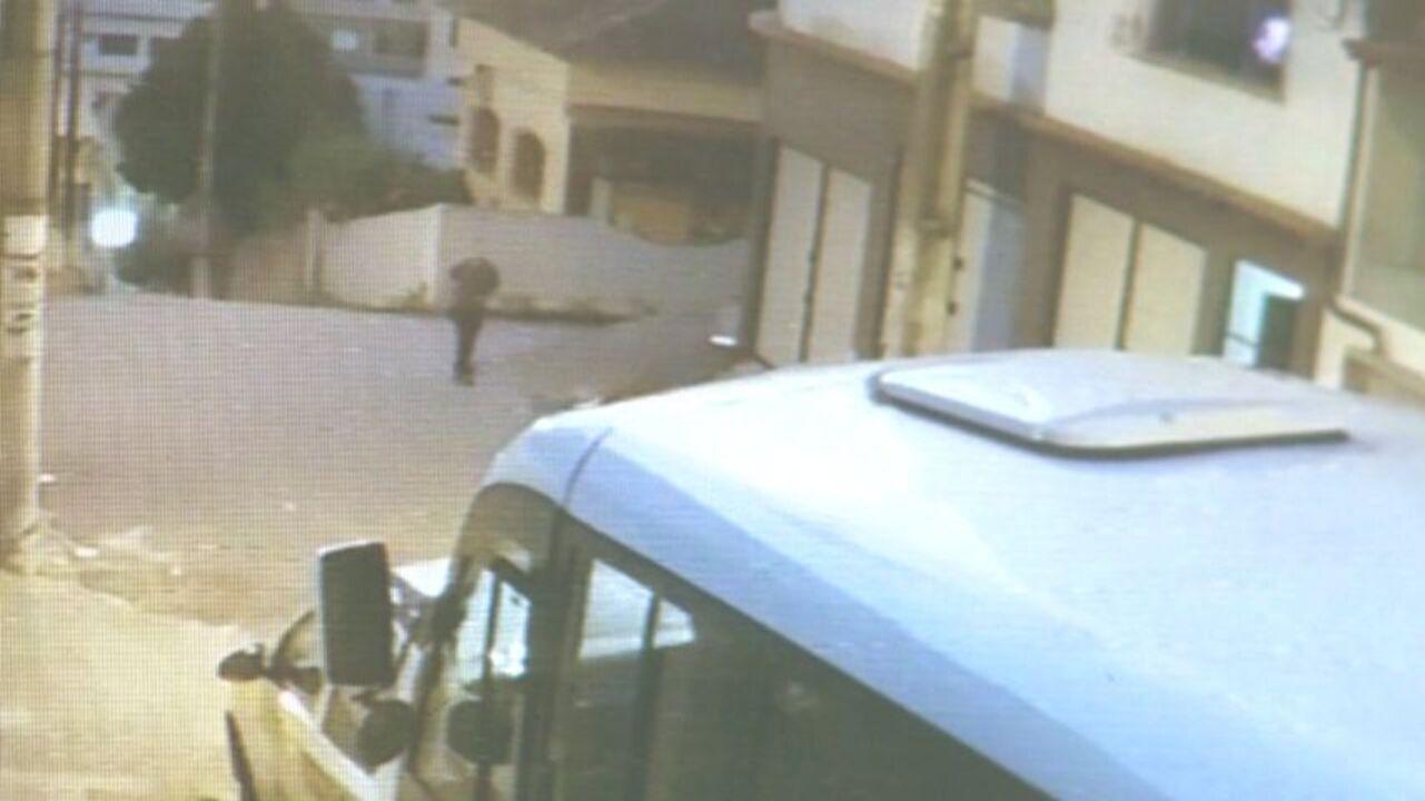Câmera de segurança registra momento em que jovem empresário é morto no ES