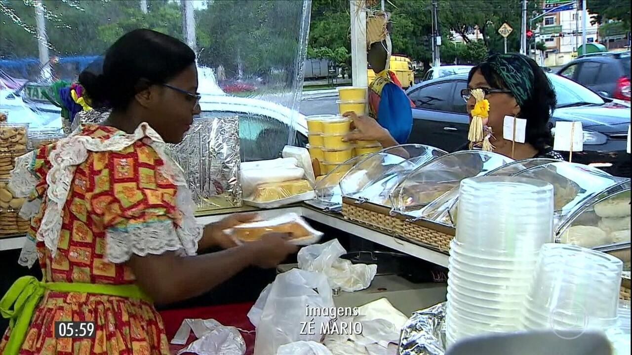 Barracas de comidas juninas garantem lucro para comerciantes em Sergipe