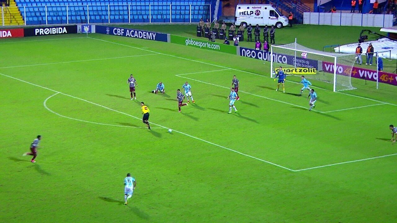 Melhores momentos: Avaí 0 x 3 Fluminense pela 9ª rodada do Brasileirão 2017