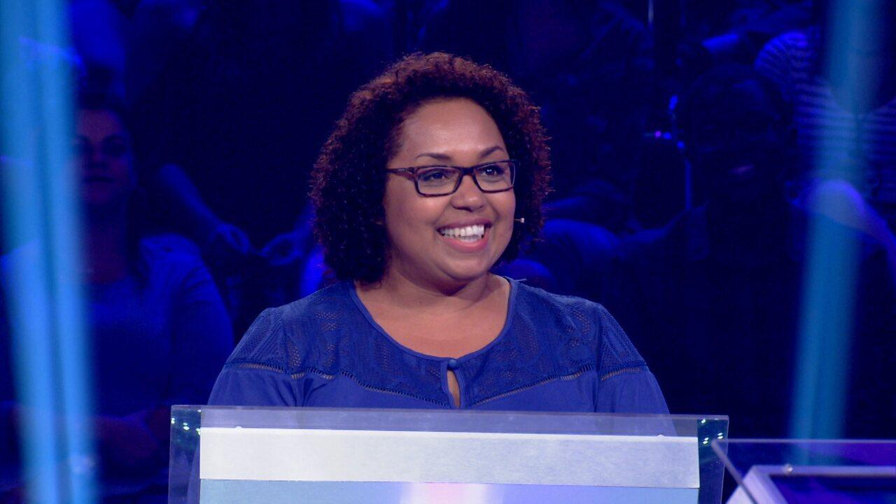 Mônica Castro chega aos R$ 50 mil no 'Quem Quer Ser Um Milionário?' e segue no jogo