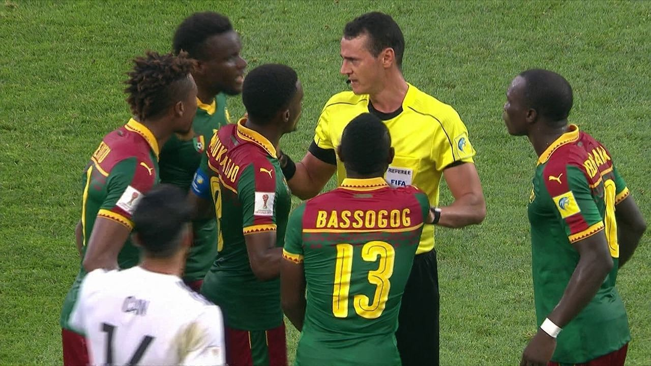 Técnico de Camarões vê rigor exagerado e fica sem entender confusão ... af5d5e541edfd