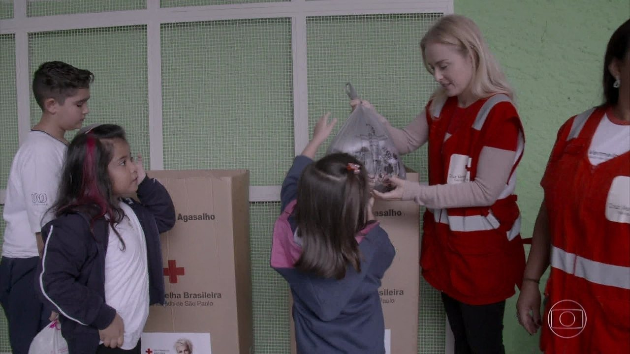 Angélica vai à São Paulo se voluntariar na Cruz Vermelha