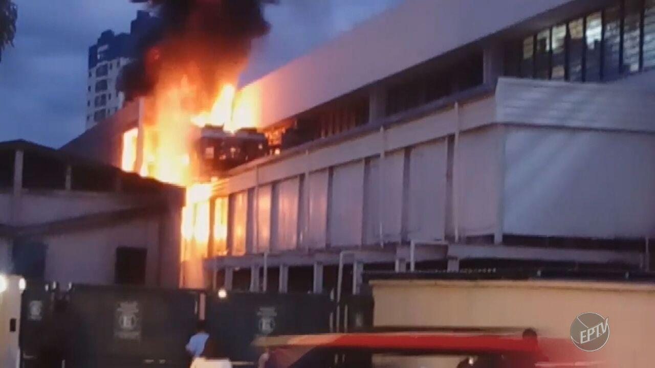 Incêndio em supermercado provoca susto e correria em Campinas