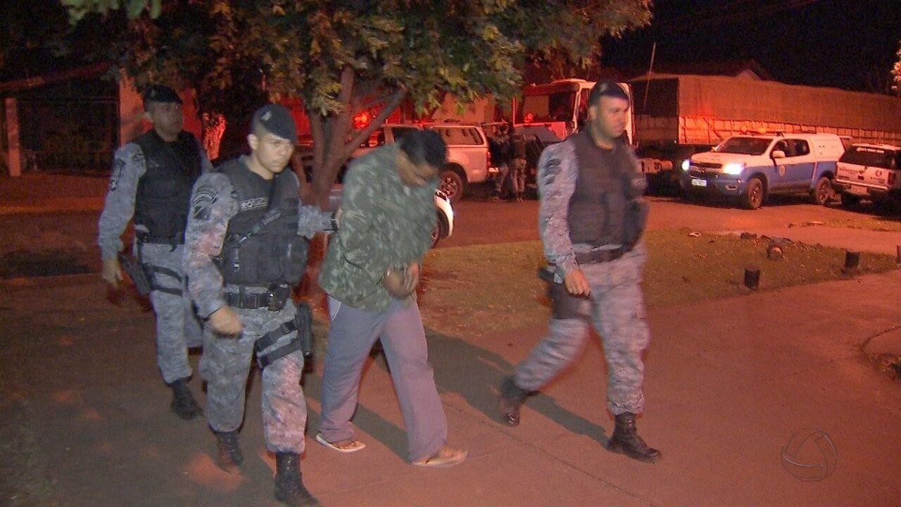 Em Campo Grande, bandido morre em troca de tiros com a PM e outros três são presos