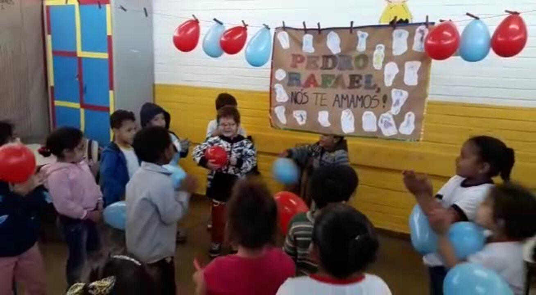 Pedro, que retirou bolsa de colostomia após dois anos de espera, comemora aniversário de 5