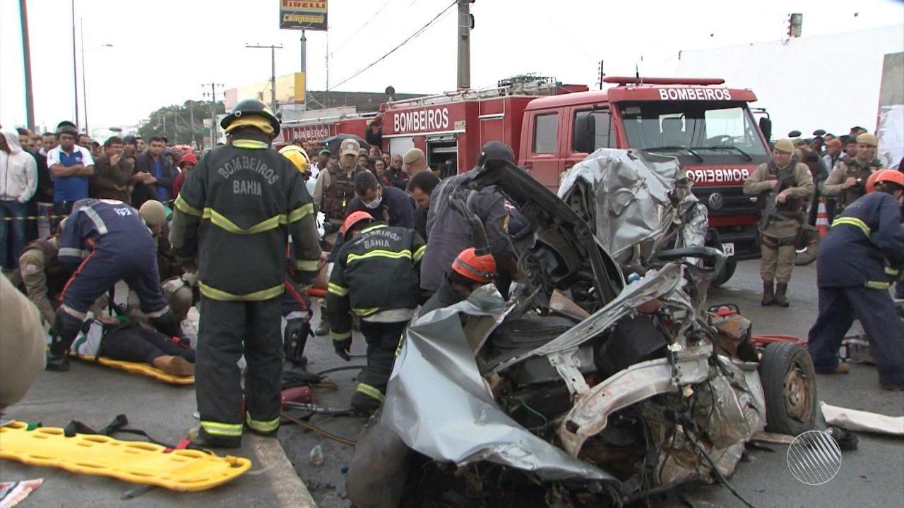 Batida entre caminhão e 12 veículos deixa um morto e 13 feridos em Conquista