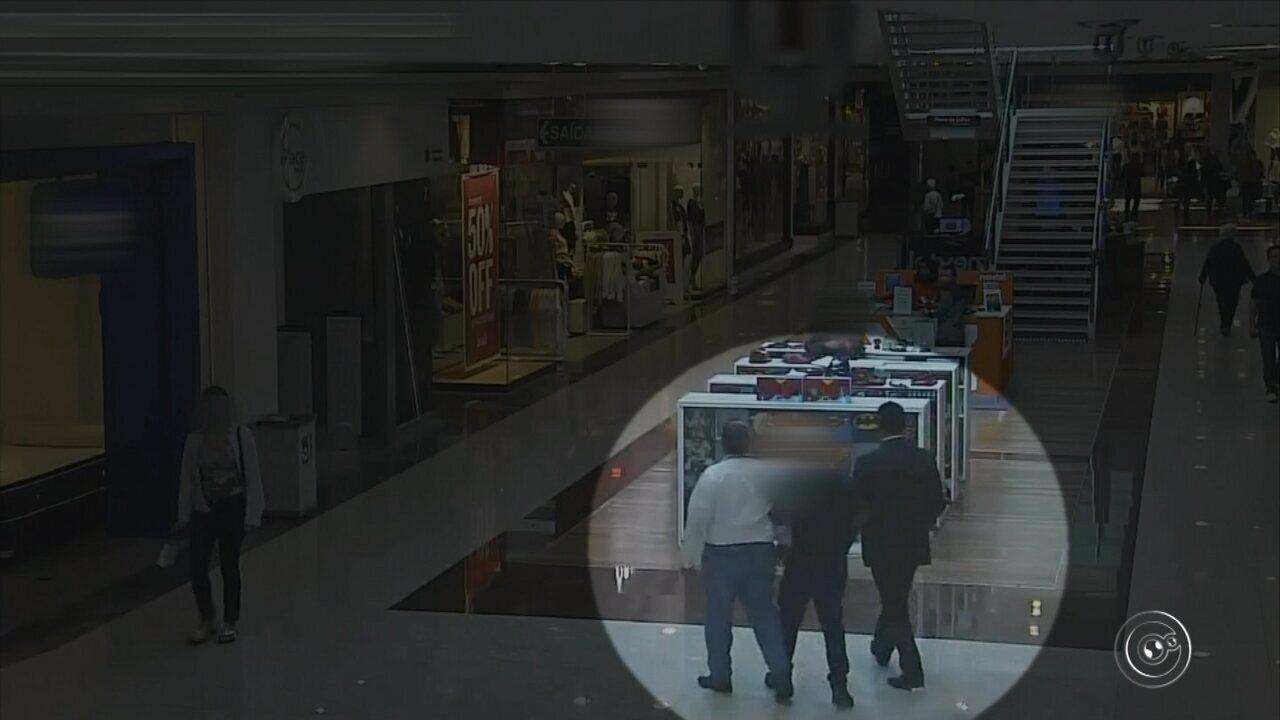 Câmeras de segurança registram roubo a loja dentro de shopping em Jundiaí