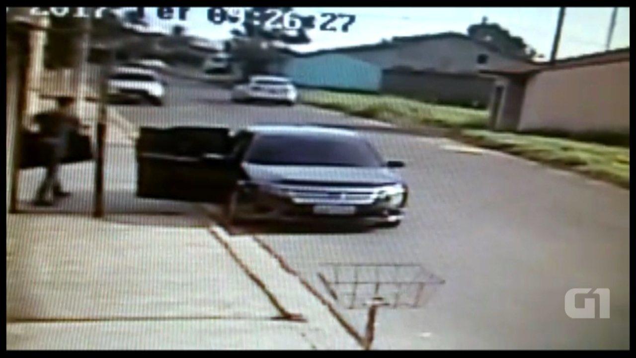 Câmera de segurança registra furto a residência em Capela do Alto