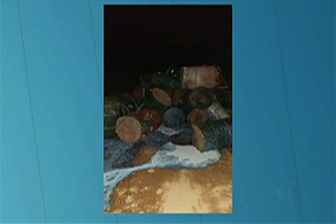 Moradores de Suzano denunciam descarte de lixo tóxico