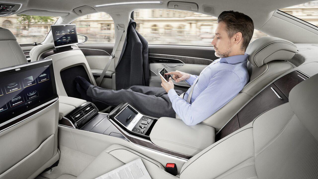 Novo Audi A8 tem massagem para os pés e tecnologias autônomas